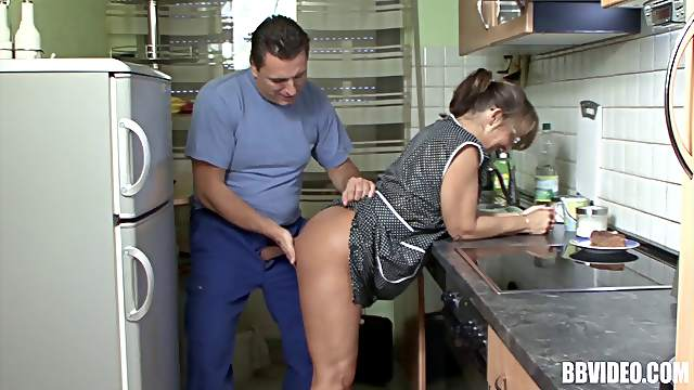 Mature housewife sucking a dick and being plowed from behind