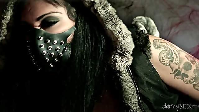 Piercing, Tattoo, leather & Darkness.