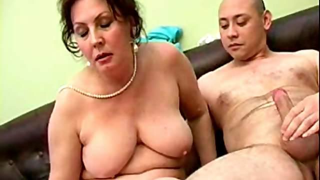 Undressing drunk Dora to taste and smash her mature twat