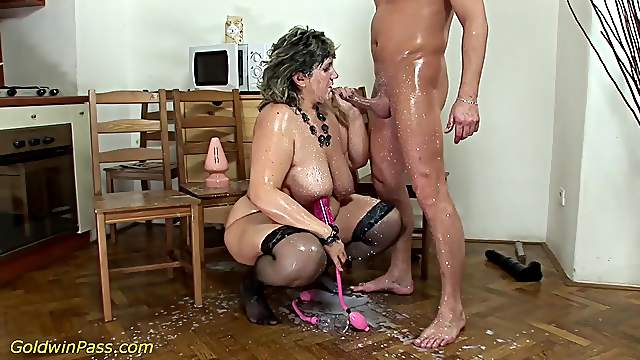 fat moms first extreme porn lesson 2