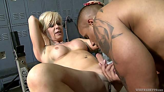Sultry shemale with nice tits has her anal drilled doggy style till orgasm
