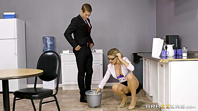 Office seduction and the deep penetration with the sexy Jessa Rhodes
