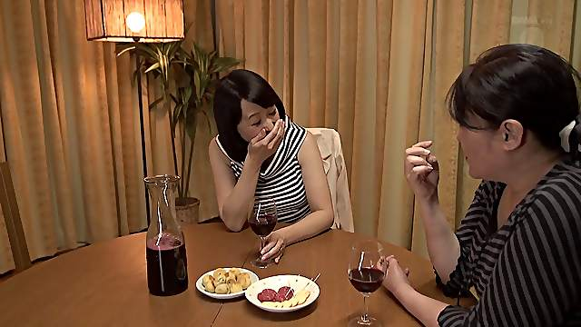 Amateur Japanese wife comes home from work and gets fucked