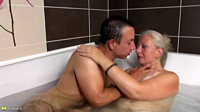 Fresh in the game stud licks granny's twat then bangs the old woman doggy in the tab