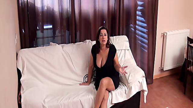 Spy cam records fat wife Esperanza Vazquez cheating her husband
