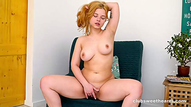 Cute blonde Bianca Bell plays with her nice tits and wet pussy