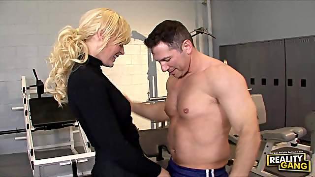 Hot fuck in a gym makes cutie scream