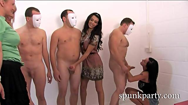 CFNM jerk off session with babes