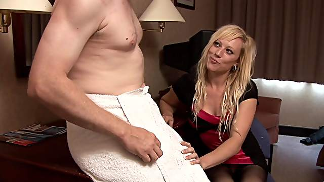 Clothed wife enjoys first cheating session in such hot kinks