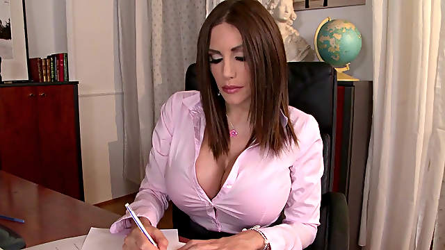 Office babe Clanddi Jinkcego being banged in anal