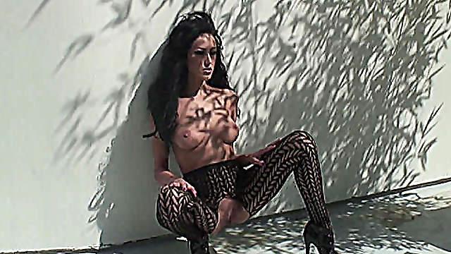 Breanne Benson makes porn outdoors