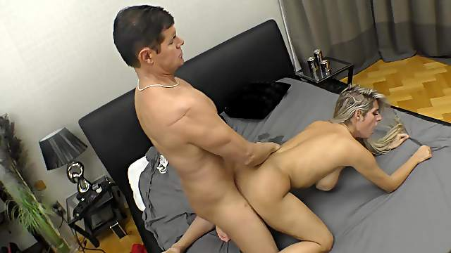 Exclusive hard sex during casting for Mia Linz