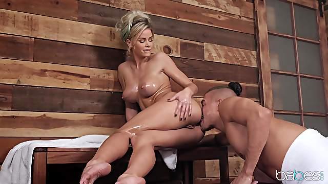 Steamy sex in the sauna with anal loving slut Jessa Rhodes