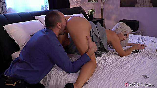 Sensual MILF with staggering forms, Kathy Anderson, insane hard sex at home
