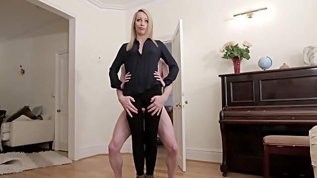 Hot blonde provides flawless CFNM handjob