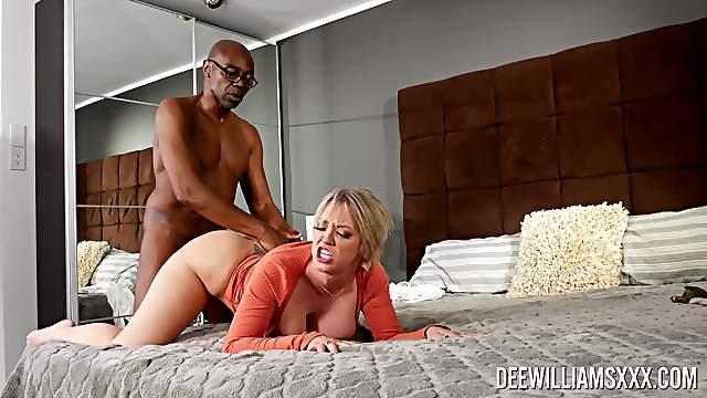 Big ass wife leaves old black stud to drill her merciless